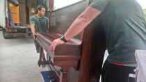 Pianos - We can usually move standard upright pianos with just two men so long as there is good access and no more than three stairs at either end.