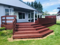 Billy Boy in Action, Deck stain in Rotorua - The client was so happy with the beautiful job - I even got free beer for working so hard