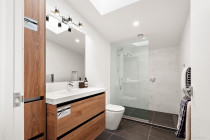 Apirana Ave, Glen Innes, New Home - Brothers Construction Group Ltd T/A BCG - Large luxury bathroom