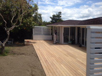 Mairangi Bay North Shore - Nice new 60 sqm Garapa deck with nice privacy screens and planter boxes.