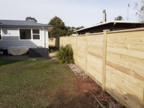 55 lineal meters of laminata fencing - Law Landscapes completed this 55 meters of laminata fencing.