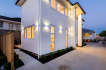 Exquisite outside lighting on a new build in Auckland by Lux Electrical Ltd