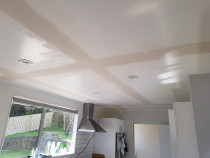 Rectifying ceiling cracks - To plaster cracks joints on ceiling,