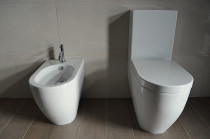 Toilet and bidet, Onemana