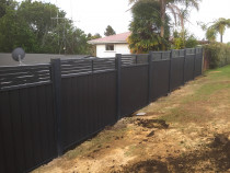 Vertical colour steel fence with Aluminium slat top