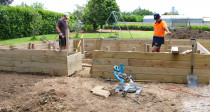 Building Raised garden boxes with internal walkway