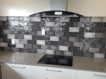 Subway 10x20 with black trim by The Tiler