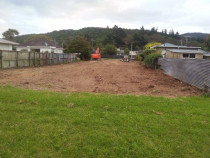 Relocation and general renovation by Vert Construction Ltd - Removed the existing house, cleared the section, subdivide and relocated 2 x four bedroom houses onto the section.  Build 2 x garages and did general renovations in Hutt Valley.