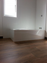 Bathroom by Horizon Tiling & Interiors Ltd