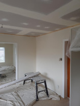 Skimming old wallboards and gib stopping ceiling - Skimming old wallboards to a beautiful smooth finished and Gib stopping ceiling