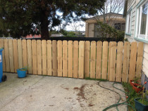 Standard Wooden Fences - Standard wood pailing pet fence