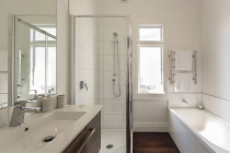 Ensuite by Architech Designs & Modelling Services Ltd - completed.