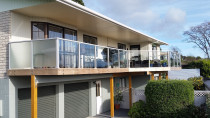 Engineered deck project - glass balustrade by DECKHQ
