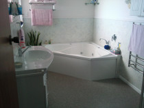 Spa Bath and Vanity New Plymouth G J Lynds Builder