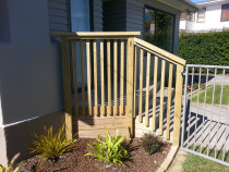 New Handrail Build + Grey Pool Fence