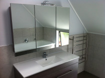 Handy Home Solutions - Beautiful mirror over vanity