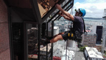 Reflect Cleaning - Abseil window cleaning on SAP building on Queen St Auckland