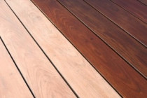 Staining Deck - Smart Painter the absolute best Auckland painters for house painting on the North Shore, Auckland City and Rodney. Hire skilled painters for residential and commercial.