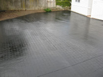 Concrete Pavers - Tinted Glaze - Driverway concrete pavers cleaned and sealed with 2 coats of Tinted Black Glaze
