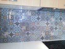 10X10 Glass tile feature wall by The Tiler