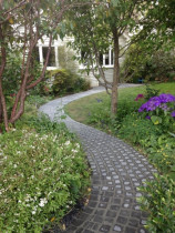 100x100 Bluestone footpath - TQ Concrete Placers