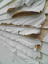 Exterior paint stripping - An example of some paint stripping done by TT Quality Services