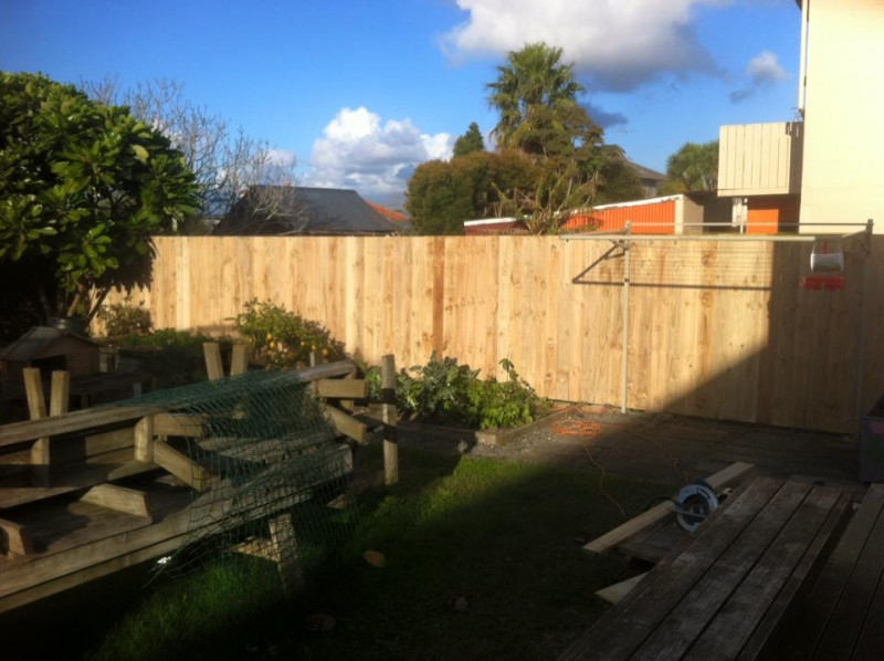 Daves Fencing & Retaining Walls | Fencing Contractors Mangere Bridge ...